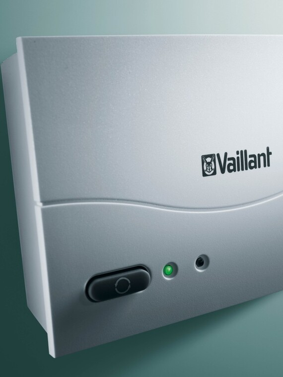 //www.vaillant.hr/media-master/global-media/vaillant/product-pictures/emotion/control08-1183-02-40554-format-3-4@570@desktop.jpg